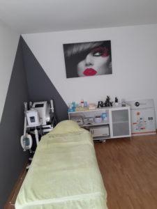 Table de soins de notre institut situé à Grolley dans le canton de Fribourg